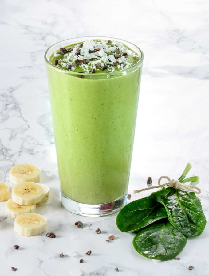 Green smoothie with bananas and spinach