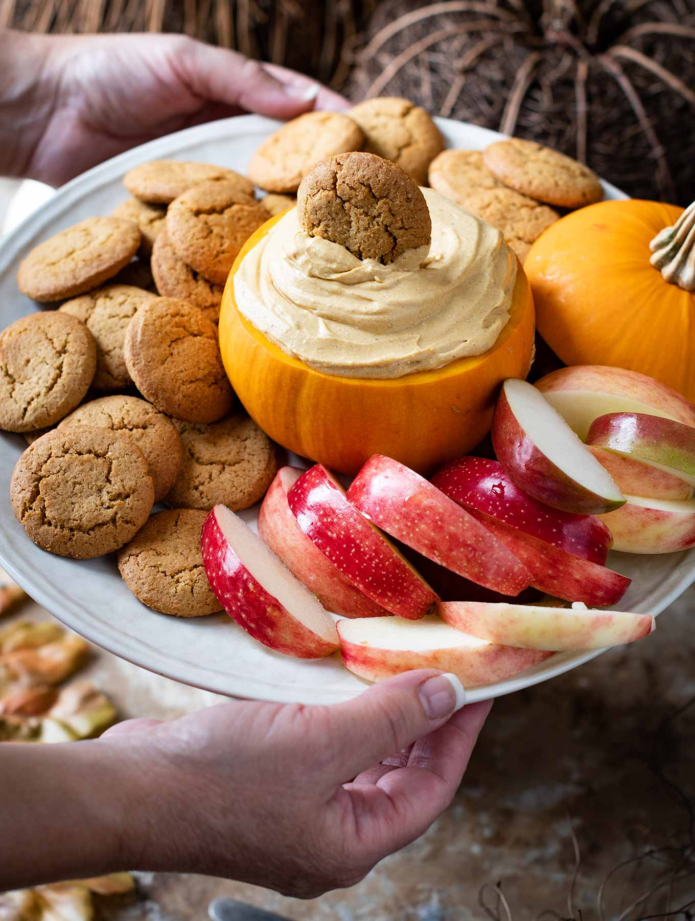 pumpkin cream cheese dip with apples