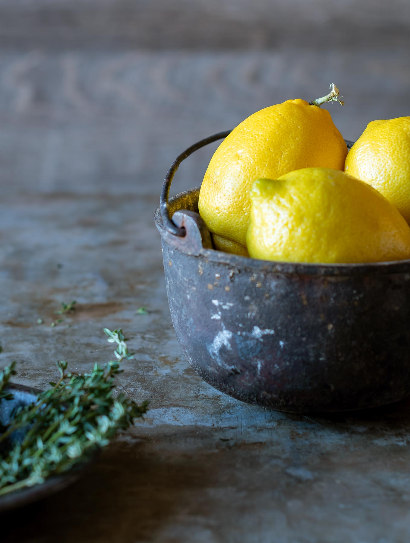 Bowl of lemons with time